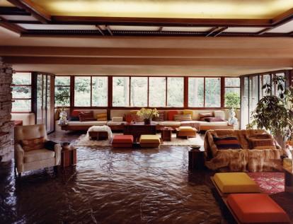 Ruschak Living room looking south-smaller verison